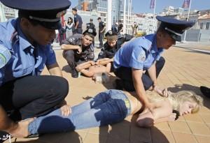 Femen201207